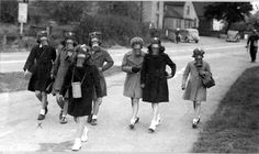 pictures from the 1940s | File:Gas mask practice Hallow School 1940s.jpg - Wikimedia Commons
