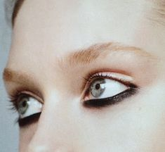 Touch Kajal: Graphic Black Eye. Thought they were upside down at first./.