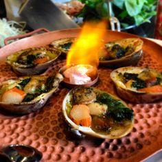 Ostras a la mantequilla en Ciudad de México.    http://www.onfan.com/es/especialidades/mexico-city/suntory-restaurante/ostras-a-la-mantequilla?utm_source=pinterest&utm_medium=web&utm_campaign=referal