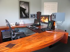computer-desk-Jacquelyn-Smith-perfect45degree copy by perfect45degreegallery, via Flickr