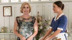 Her er de 19 allerbedste danske serier, du skal se mindst én gang Vintage Tv, Jane Austen, Netflix, T Shirts For Women, Denmark, Seaside, Scandinavian, Houses, Inspiration