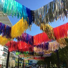 Experience the New Art Installation: The Color Condition at Discovery Green – It's Not Hou It's Me Stage Design, Event Design, Bar Deco, Discovery Green, Art Storage, Backdrops For Parties, Outdoor Art, Public Art, Installation Art
