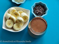 Smoothie cu cacao nibs, semințe cânepă decorticată, banane Cacao Nibs, Smoothie, Pudding, Desserts, Food, Banana, Deserts, Custard Pudding, Puddings