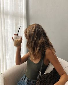 The weekly summer outfits selection is here with a collection of cute everyday outfits you can wear anytime this summer. Mode Ootd, Girls Twitter, Summer Outfits, Cute Outfits, Looks Vintage, Look Cool, Dress To Impress, Ideias Fashion, Vintage Clothing