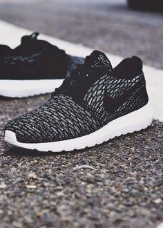 pretty nice c5bf2 42777  Kyragensone ☾ Ig   Kyrapg Black Nike Shoes, Nike Shoes For Men, Nike