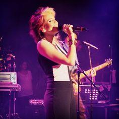 ¡Así disfrutamos del showcase de @majaretesm el pasado sábado en el Centro Cultural BOD! Cantamos Ven y Baila a toda voz y descargamos su sencillo en Cusica.com #MajareteSM