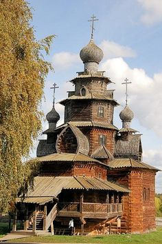 nice Museum of Wooden Architecture and Peasant Life--Church of Transfiguration--Suzda...