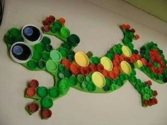 ACLA Youth Services: Repurposed art projects for the library Bottle Top Art, Bottle Top Crafts, Bottle Cap Projects, Beer Bottle, Recycled Art Projects, Recycled Crafts, Craft Projects, Summer Crafts, Crafts For Kids