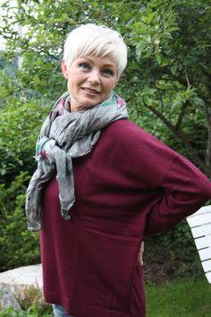 The Best Fashion Ideas For Women Over 60 - Fashion Trends Haircut For Older Women, Short Hair Cuts For Women, Grey Hair Inspiration, Bowl Haircuts, Asymmetrical Pixie, Short Grey Hair, 60 Fashion, Layered Fashion, Short Styles