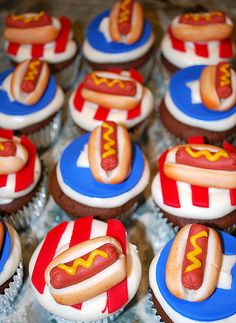 Cupcakes were decorated with marzapan hot dogs and placed on either a star background or stripes for the Fourth of July Picnic. 4th July Cupcakes, 4th Of July Desserts, Fourth Of July Food, Yummy Cupcakes, July 4th, Patriotic Cupcakes, Bbq Desserts, Patriotic Desserts, Oreos