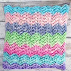 Textured Chevron Cushion in Scheepjes Aquarel - free pattern @ MissNeriss Thanks so xox ☆ ★   https://uk.pinterest.com/peacefuldoves/