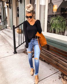 Love this casual look for spring! Love this casual look for spring! Black Women Fashion, Look Fashion, Womens Fashion, Ladies Fashion, Fashion Tips, Fashion 2018, Cute Fall Outfits, Trendy Outfits, Casual Spring Outfits