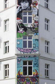 Photo project: Berlin's Lights & Patterns. Filippi Giulia Photography. Thanks to BERLINO MAGAZINE for the publication. http://berlinocacioepepemagazine.com/i-colori-della-street-art-a-berlino-14-foto-da-kreuzberg-e-friedrichshain/
