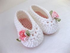 Baby Girl Shoes / Booties - Pink & White, Soft Flower - YOUR choice size - (newborn - 12 months) - photo prop - clothing