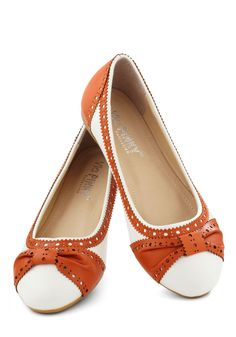 How About Wow? Flat in Terracotta | Mod Retro Vintage Flats | ModCloth.com