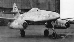 Messerschmitt Me 262 V5, W.Nr. 262 000 0005, coded PC+UE, was the first prototype to feature front landing gear. [Kagero's Archive]