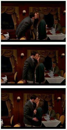Sheldon & Amy Kiss
