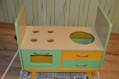 Creative Ideas - DIY Repurpose an Old Nightstand into a Play Kitchen Komodo, Old Furniture, Nightstand, Repurposed, Recycling, Stool, Diy Projects, Kitchen, Playrooms