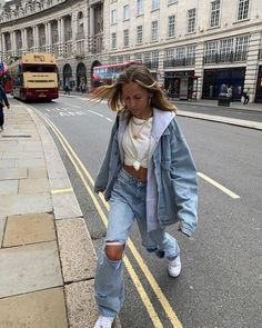 Outfit Ideas - Idée de tenue - Minimaliste - Clean Outfit - Lilly is Love Urban Outfits, Mode Outfits, Retro Outfits, Cute Casual Outfits, Vintage Outfits, Fall Outfits, Insta Outfits, Sneakers Fashion Outfits, Instagram Outfits