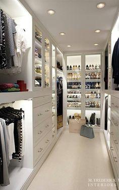 Closet space@Natcha Augustin