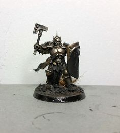 Hi readers! I am painting a quite big group of Stormcast Eternals, the starter pack army to be precise. They are not the first stormcast t...