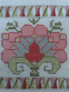 This Pin was discovered by Fat Embroidery Patterns Free, Embroidery Designs, Knitting Patterns, Hardanger Embroidery, Hand Embroidery, Drawn Thread, Bargello, Garter Stitch, Embroidery Techniques