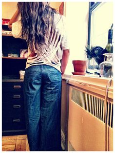 """Another Pinner said: """"Diy shirt...I want those jeans!"""" Lol. Why? Why THOSE jeans? Out of all the clothes on pinterest.."""