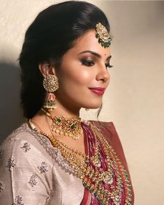 Indian Bridal Outfits, Indian Wedding Hairstyles, Indian Bridal Makeup, Bridal Hair, Wedding Makeup, Bridal Dresses, Hair Jewelry, Bridal Jewelry, Gold Jewelry