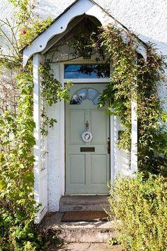 Cottage Front Door Porch Window 33 New Ideas Cottage Front Porches, Cottage Front Doors, Front Door Porch, Porch Doors, Cottage Door, Cottage Exterior, Cottage Homes, House Front, Cottage Style