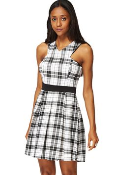 Checkered V Neck Pleated Dress Fashion Online, Fashion Dresses, V Neck, Summer Dresses, Stylish, Womens Fashion, Clothes, Shopping, Collection