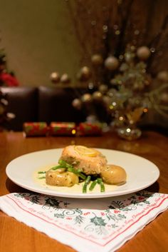Official Website - Pinewood Hotel Buckinghamshire conveniently located near Heathrow Airport, we have rooms for all budgets. Book a Hotel Room Today Book A Hotel Room, Heathrow Airport, Roasted Salmon, Christmas Parties, Menu, Potatoes, Restaurant, Dishes