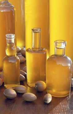 Argan oil: wonderful for skin, hair, nails. Strengthens, & protects against heat damage. My nails grow when I use this. Look for organic Moroccan Argan Oil Coconut Benefits, Oil Benefits, Argan Oil Hair, Spa, Best Natural Skin Care, Natural Beauty, Best Oils, Moroccan Oil, Homemade Beauty Products