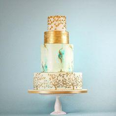 Japanese inspired cake . .  #rosalindmillercakes #designercakes #luxurycake #weddingcake #instacake #instawed #wedding #cupcakestagram #botanical