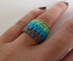 Macrame rings DIY ~ Tutorial via Instructables user emilyvanleemput  This is awesome, easy and I want to make a rainbow of them to wear and give to friends!
