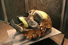 (h)...so anyways, this is what the Dishonored mask came out to look like.  it looks incredible - enough to drive myself into unrealistic forms of envy- incredible...
