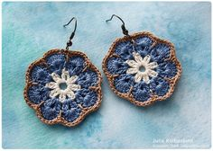 African flower earrings by Julia Kolbaskina, via Flickr Crochet Food, Crochet Bear, Thread Crochet, Crochet Crafts, Crochet Projects, Crochet Birds, Crochet Animals, Crochet Earrings Pattern, Crochet Jewelry Patterns