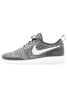 Nike Sportswear ROSHE ONE FLYKNIT Tenisówki i Trampki black/white/cool grey