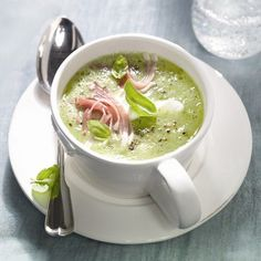 Zucchini soup with ham Plats Weight Watchers, Weight Watchers Meals, Paleo Recipes, Soup Recipes, Ham Soup, Homemade Soup, Food Photo, Food Inspiration, Love Food