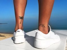 33 Ideas For Simple Palm Tree Tattoo Arm Palm Tattoos, Mini Tattoos, Sexy Tattoos, Cute Tattoos, Tatoos, Palm Tree Tattoo Ankle, Tree Tattoo Arm, Ankle Tattoo, Leg Tattoo Men