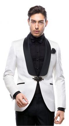 Mens Casual Suits, Dress Suits For Men, Suit And Tie, Mens Suits, Indian Men Fashion, Big Men Fashion, Fashion Moda, Suit Fashion, Designer Suits For Men