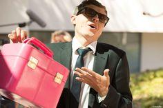 ein pinkes Beautycase darf bei Jessys Gepäck nicht fehlen - Chauffeur (Sascha von DieAussenseiter)