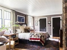 2019 brings with it a multitude of amazing new interior design trends. Here are the top 5 interior design trends for Style At Home, Style Blog, Pacific Northwest Style, Dark Wood Bedroom, Beauty Room Decor, Cabin Chic, Cozy Cabin, Boho Home, Interiores Design