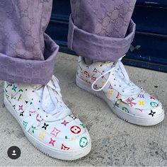 kicks Granola granola no honey Sims, Nike Shoes, Sneakers Nike, Bold Logo, Sneaker Heels, Custom Shoes, Custom Sneakers, Sock Shoes, Shoe Game