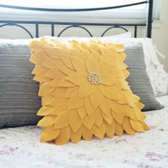 Felted Pillow Use your old pillow to create this awesome new one UPCYCLE