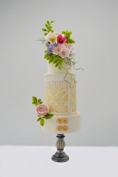 summer wedding cake by Catalina Anghel azúcar'arte Beautiful Wedding Cakes, Beautiful Cakes, Cake Decorating Magazine, Summer Wedding Cakes, Cake Wedding, Different Types Of Cakes, Cake Design Inspiration, Brides Cake, Fantasy Cake