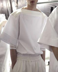 er-c: Juun.J S/S 2015 ph Giulietta Raimondi er-c: Juun.J S/S 2015 ph Giulietta Raimondi Street Mode, Street Wear, Street Style, Fashion Details, Look Fashion, Mens Fashion, Fashion Design, Fashion Photo, Minimal Fashion