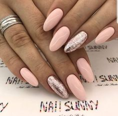 Gorgeous pink nail look, perfect for spring and summer! Also gorgeous look for special occasions!