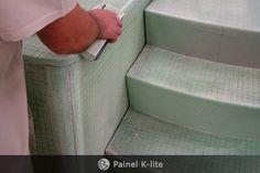 ::K-lite::  É um painel plano em sandwich de fibra de vidro+Divinycell+fibra de vidro fabricado por infusão a vácuo com resina de poliéster ortoftálica. Este é um material que possui baixíssimo peso ótima aderência das faces no Divinycell, excelente valor estrutural, pode ser cortado com ferramentas manuais, não absorve água e não apodrece.