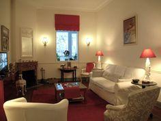 salon classique chic - Recherche Google Sofa, Couch, Recherche Google, Furniture, Home Decor, Classic Living Room, Classic Chic, Settee, Settee