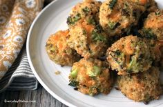 Broccoli cheddar quinoa bites are bound to be a new family favorite—gluten-free and vegetarian, they can be served as a meal or an after-school snack!